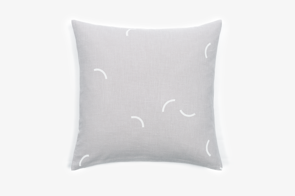 GRAY_Cushion_50x50_LightGrayLinen_WhiteSmiles